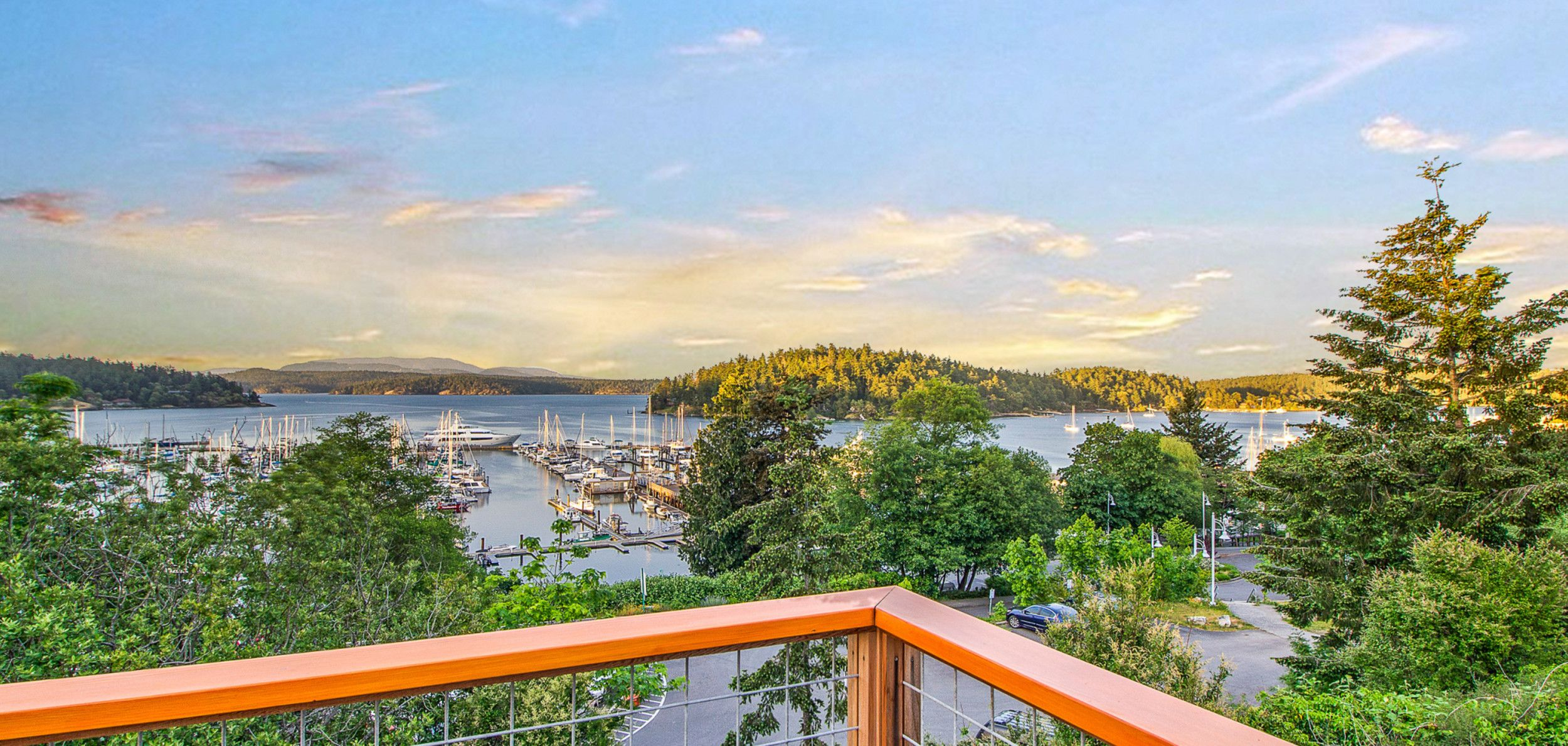 Cannery Inn & Suites - Deck View