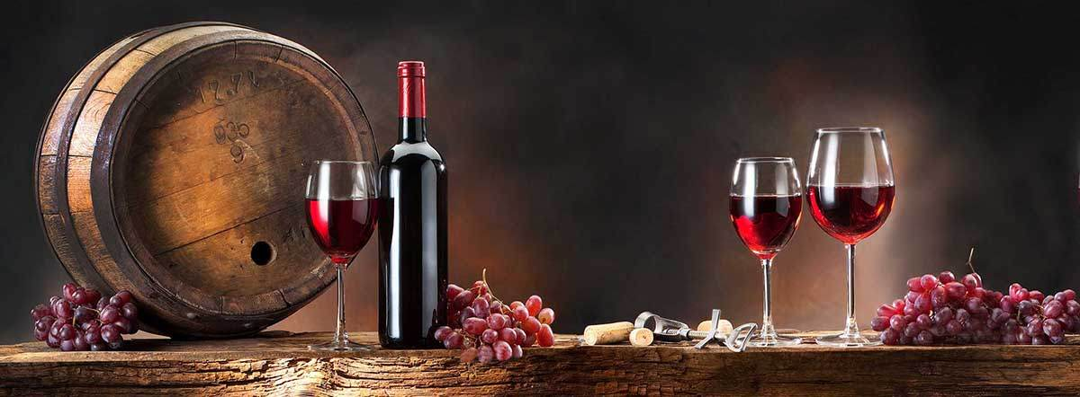Wine Barrel & Wine & Grapes